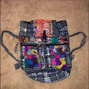 Casa Viva Multi-color Tapestry Shoulder Bag!